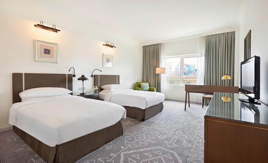 Hyatt Regency 5 Hotels